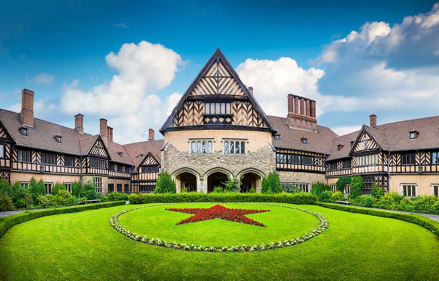 ProLimo | Private Sightseeing Potsdam | Cecilienhof Palace