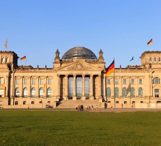 ProLimo | Warnemünde Port Shore Excursion To Berlin | Reichstag